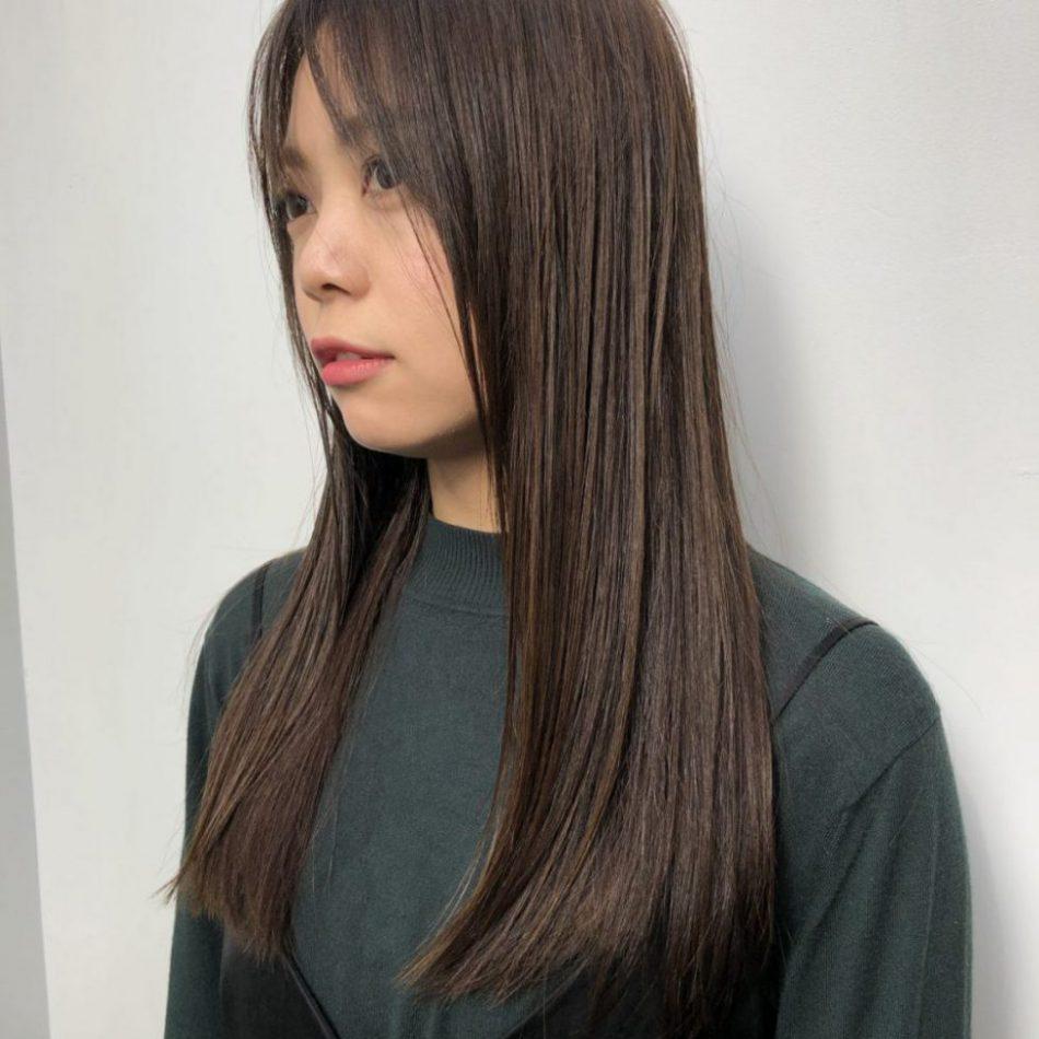綺麗でツヤを保つロングヘアーのお手入れとスタイリング方法