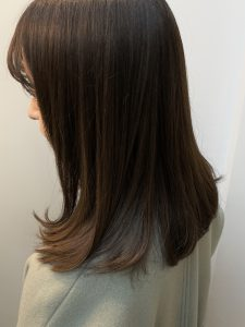 レオノールグレユを使用したヘッドスパで、この時期気になる切れ毛ケア