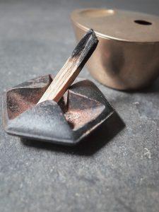 香木パロサントで作るWIT.店内の香り